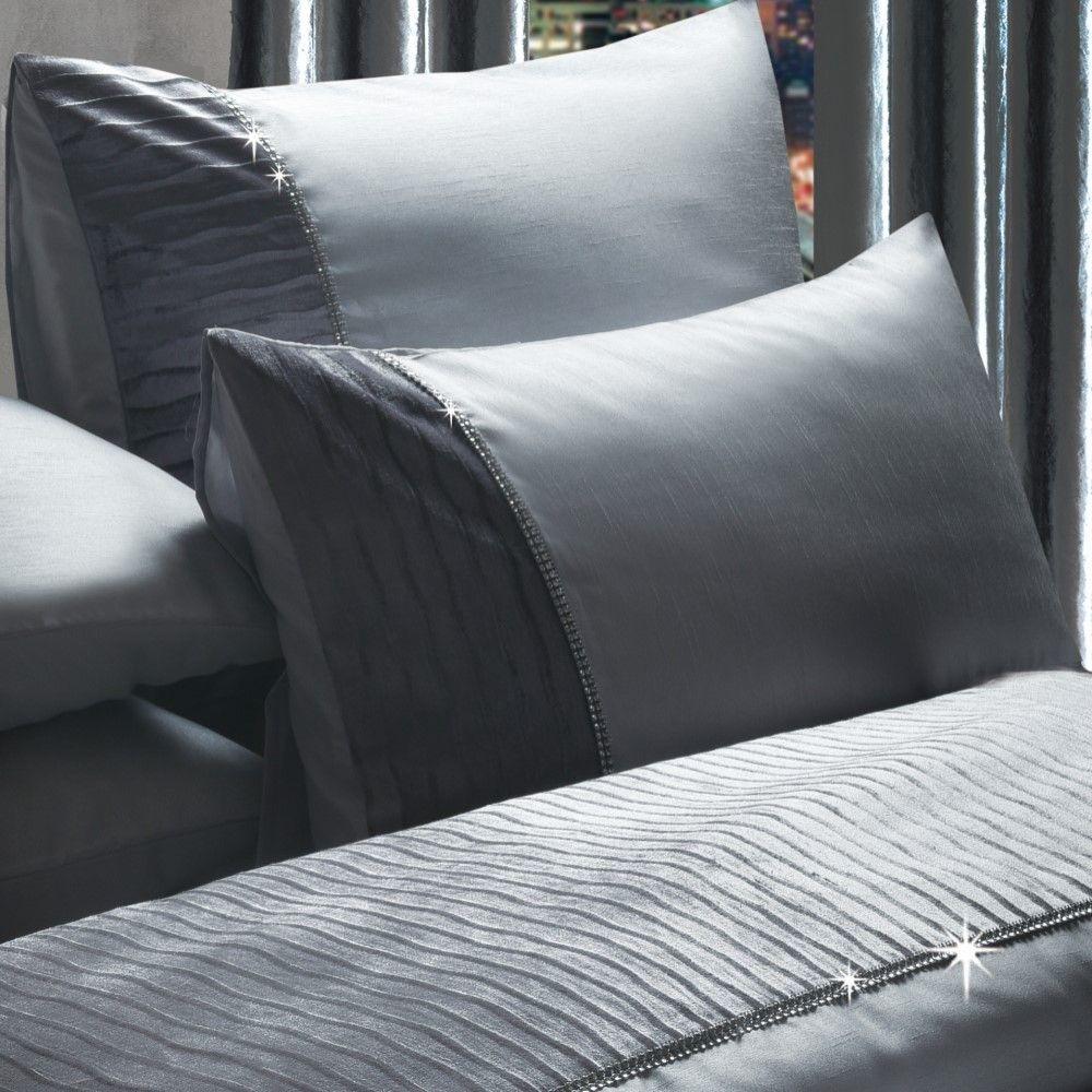 Luxury-Sparkle-Diamante-Crushed-Velvet-Duvet-Set-Eyelet-Curtains-Silver-Grey thumbnail 3
