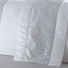 Shimmer Sequin Diamante Quilt Runner - White