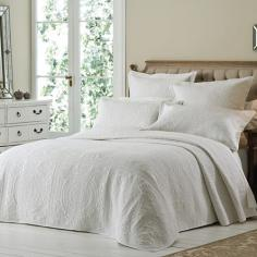Versailles White Embroidered Quilted Bedspread