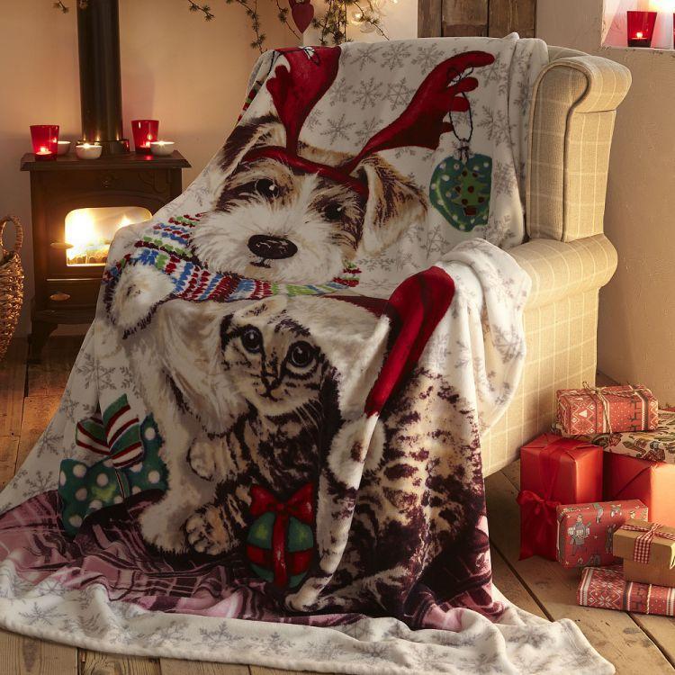 Ivy Amp Snowy Christmas Cat Dog Fleece Blanket