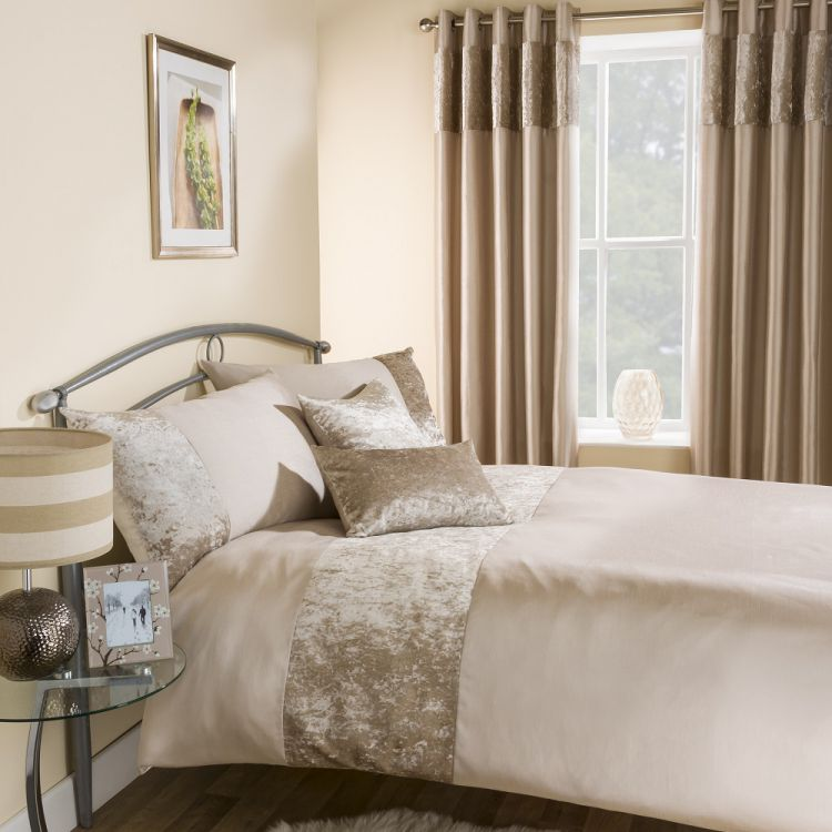 Jun 11,  · Dress your bed in elegant simplicity with the refined Wamsutta Thread-Count Solid Duvet Cover Set. Adorned with a crisp, clean design and a solid color, the cotton sateen bedding instantly adds a luxurious look to any room's fascinatingnewsvv.ml: $