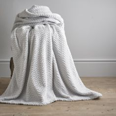Brampton Soft Fleece Throw - Silver Grey