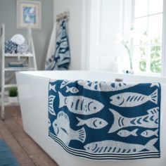Fishes Jacquard 100% Cotton Bathroom Towel - Blue