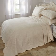 Athena Quilted Paisley Motif Bedspread Set - Cream