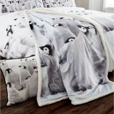 Penguin Colony Supersoft Throw