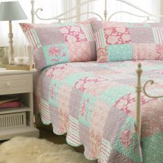 Embossed Geometric Patchwork Bedspread & Pillowshams - Multi