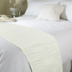 Embossed Bed Quilt Runner - Cream