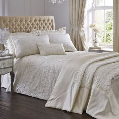 Luxury Spencer Jacquard Duvet Cover Set - Ivory Cream