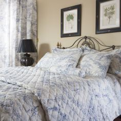 Toile De Jouy Vintage Quilted Bedspread  - Blue
