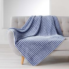 Denver Flannel Jacquard Throw - Navy Blue