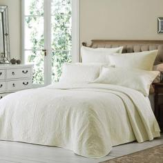 Versailles Cream Embroidered Quilted Bedspread Set
