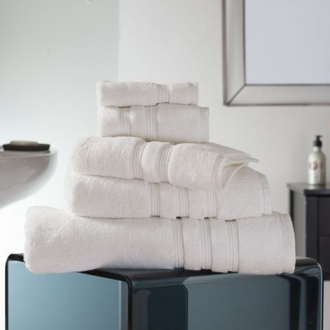 Hotel Quality Opulence 100% Cotton 800gsm Bathroom Towel   Vanilla Cream