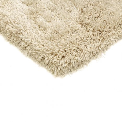 Cascade Table Tufted Plain Rug - Cream