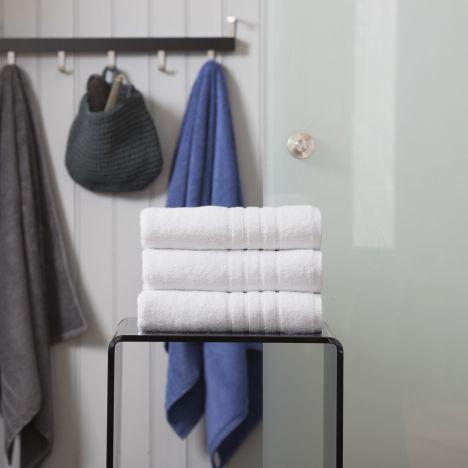 Pure Range 100% Cotton 450 GSM Towel - White: Face Cloth