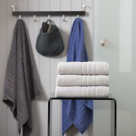Pure Range 100% Cotton 450 GSM Towel - Silver Grey: Face Cloth