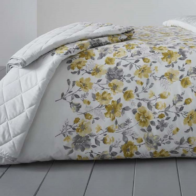 Gabriella Floral Reversible Quilted Bedspread