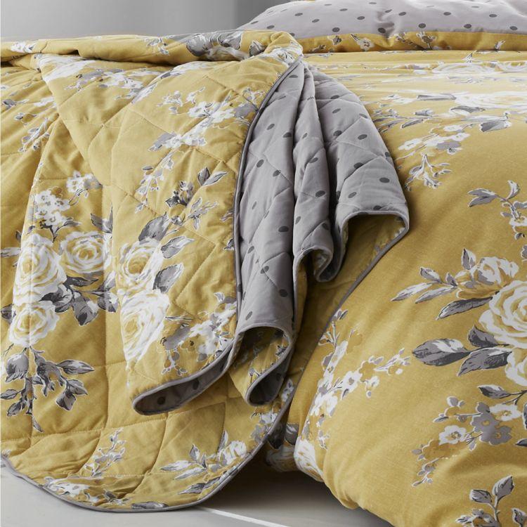 Catherine Lansfield Canterbury Bedspread Yellow