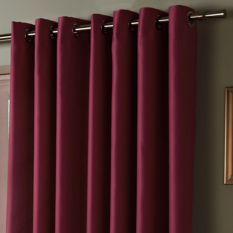 Thermal Lined Blackout Eyelet Curtains Raspberry