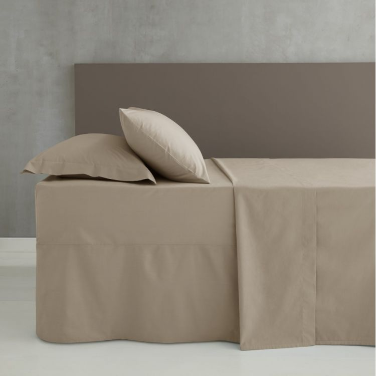 Pair Of Non Iron Percale Combed Polycotton Housewife